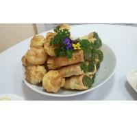 Профитроли с подкопченным лососем и свежими овощами