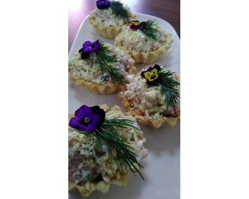 Тарталетка с салатом «Нептун»