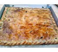 Пирог с курицей, картофелем, сыром и помидорами